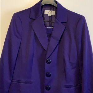 Le Suit purple suit size 10
